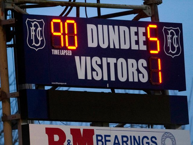 Dundee: 5-1 victors over Morton