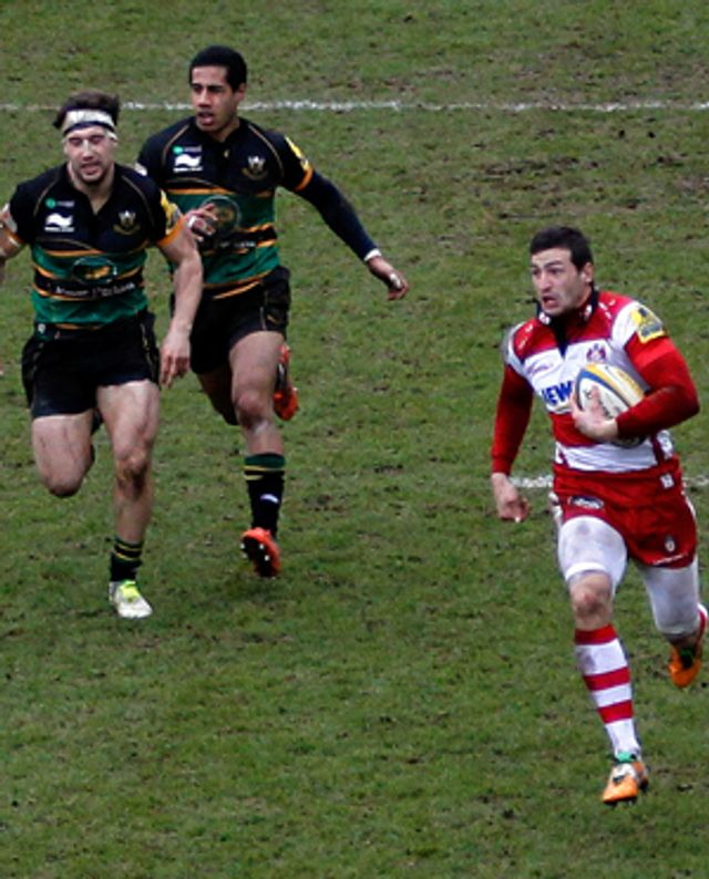 Jonny May goes in for a try