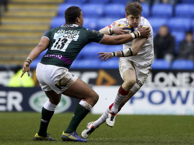 David Strettle of Saracens tries to break