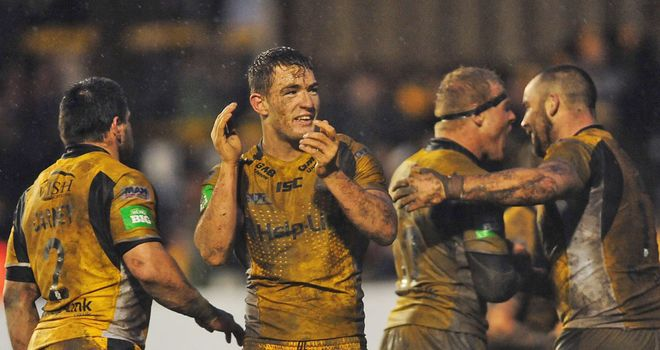 Castleford secured a famous 14-12 victory over champions Leeds