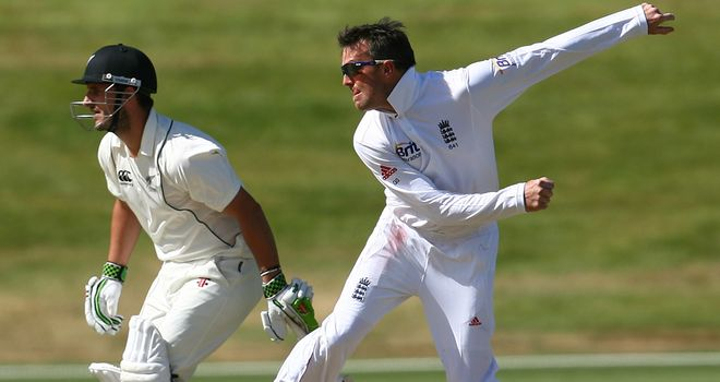 Graeme Swann: Needs to manage elbow injury