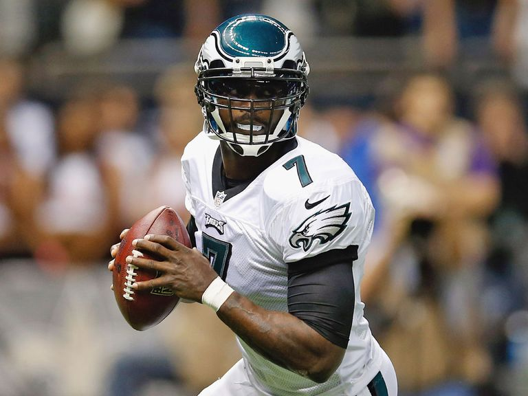 Michael Vick: Staying with the Philadelphia Eagles in 2013