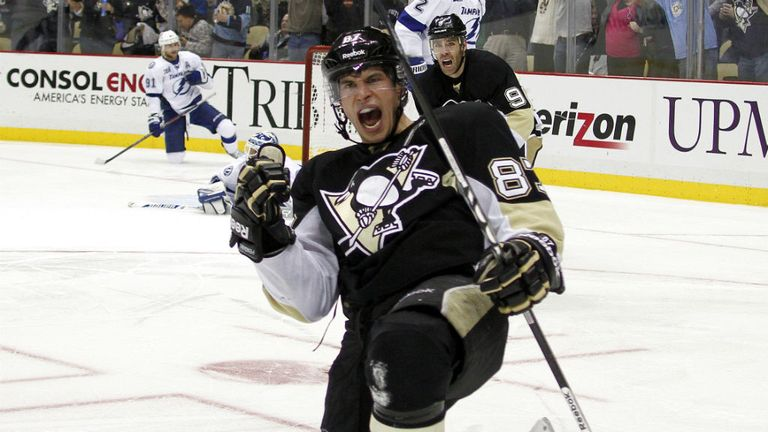 Sidney Crosby: Celebrates his third period strike