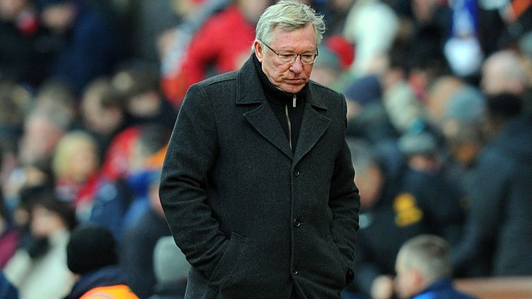 Sir Alex Ferguson: Manchester United manager expects fight from Aston Villa on Monday