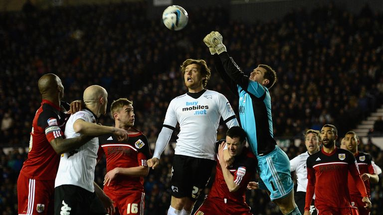 Tom Heaton: City keeper punches clear as Derby attack
