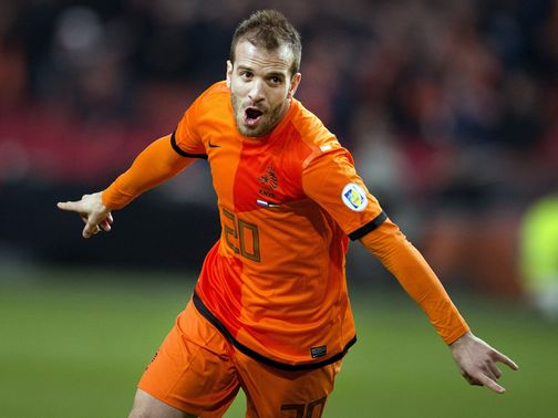 Rafael van der Vaart celebrates his goal.