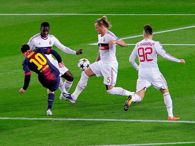Lionel Messi scores Barcelona's opening goal