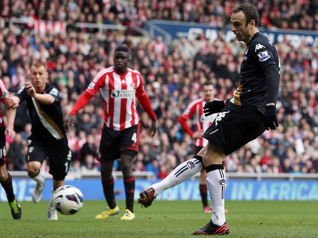 Dimitar Berbatov breaks the deadlock from the spot