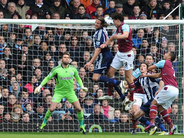 Andy Carroll heads West Ham into the lead