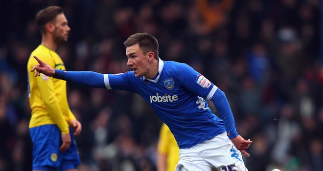 Jed Wallace: Netted Portsmouth&#39;s third