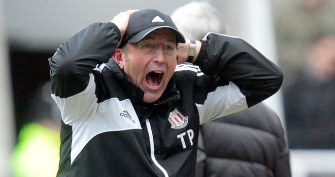 Tony Pulis: Wants his Stoke side to show some 'strength of character'