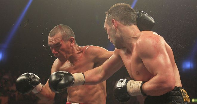 Lee Purdy lands a right on his way to victory over Cosme Rivera (pic: Lawrence Lustig)