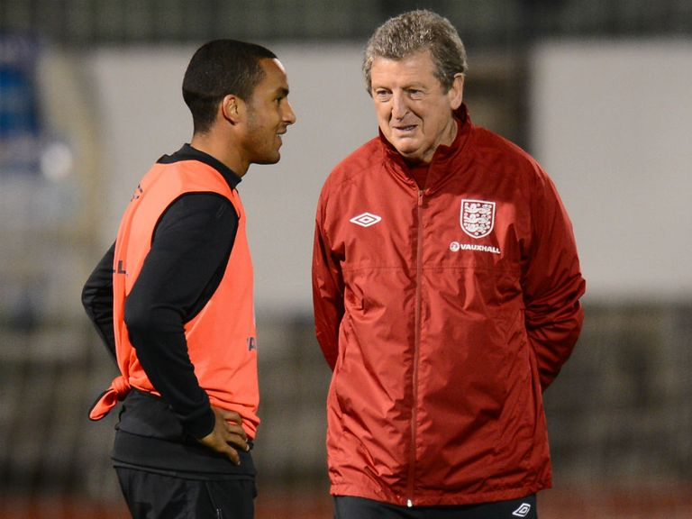 Theo Walcott: Injury blow