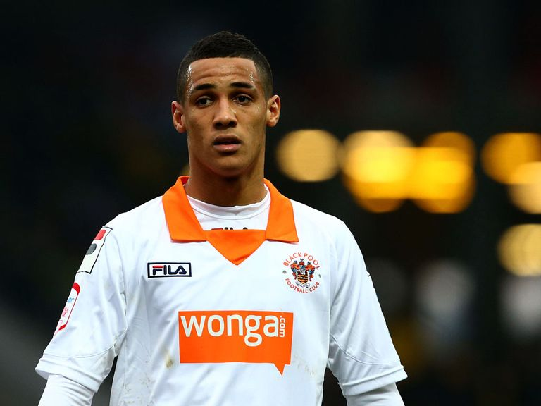 Thomas Ince: Cardiff's bid confirmed by Blackpool manager and father Paul
