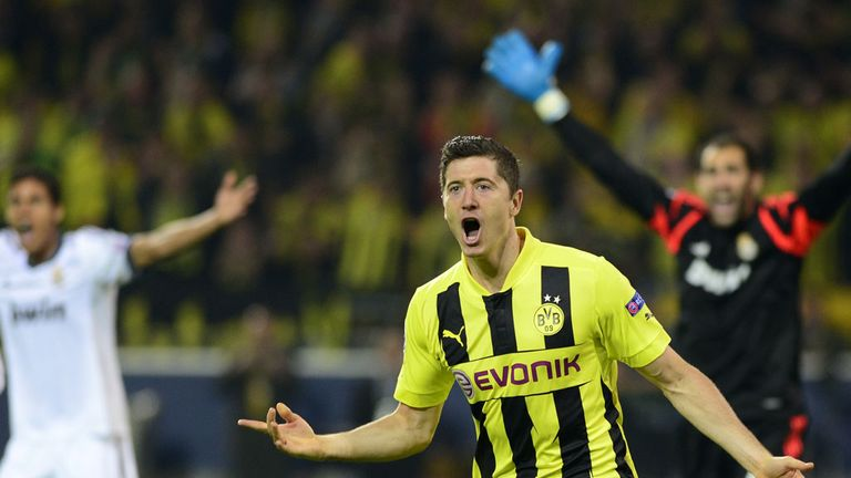 Robert Lewandowski: Borussia Dortmund striker has refused to be drawn over his future