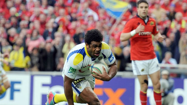 Clermont's Napolioni Nalaga goes over for the first try