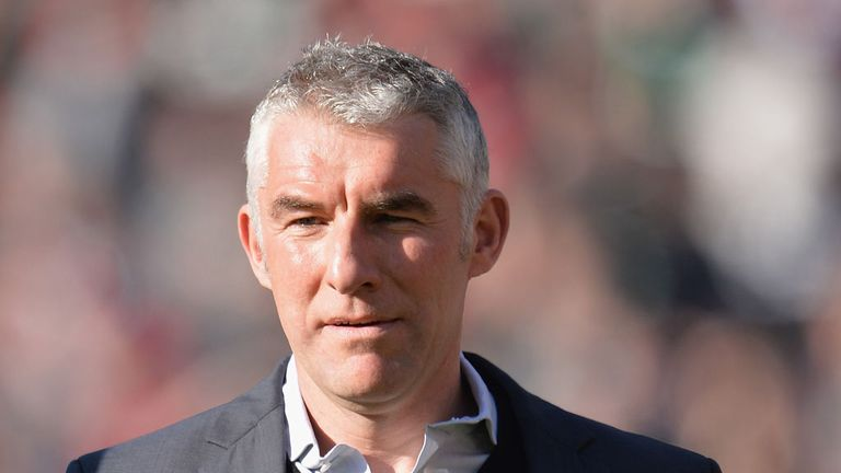 Mirko Slomka: Tough test for his Hannover side