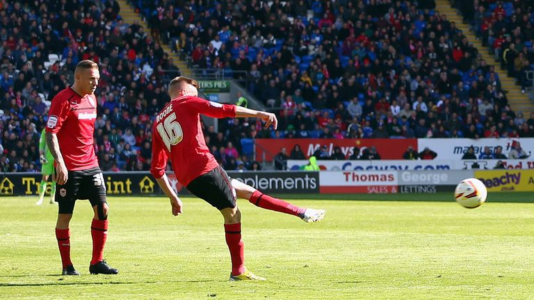 Craig Noone: Scores equaliser from a free-kick