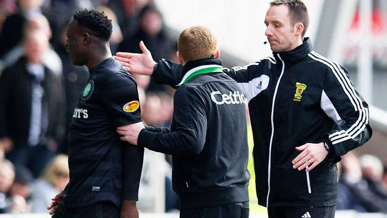 Neil Lennon with Victor Wanyama after his red card