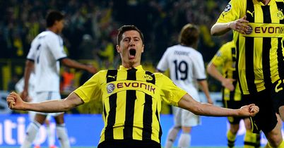 Robert Lewandowski: United should move for Dortmund forward