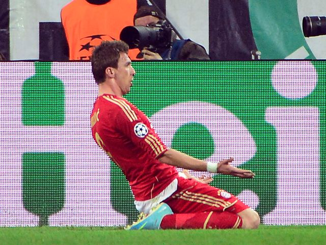 Mario Mandzukic celebrates his goal for Bayern Munich