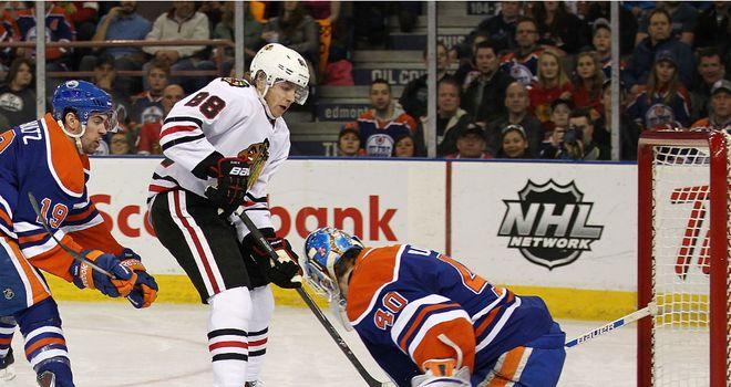 Patrick Kane scores for the Chicago Blackhawks