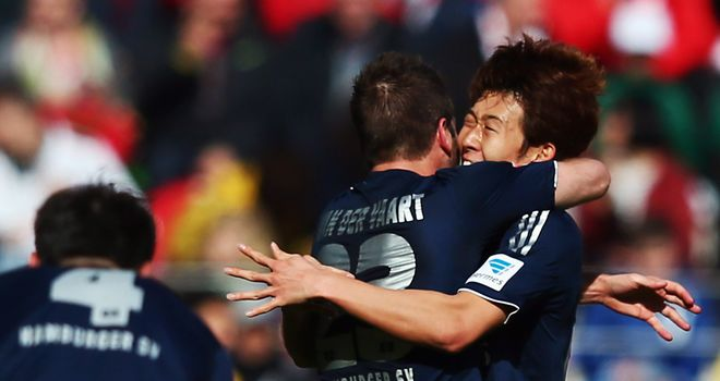 Heung-Min Son celebrates for Hamburg