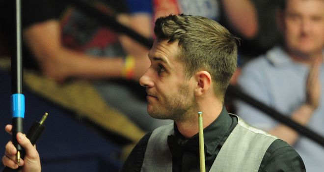Mark Selby: World No 1 into second round