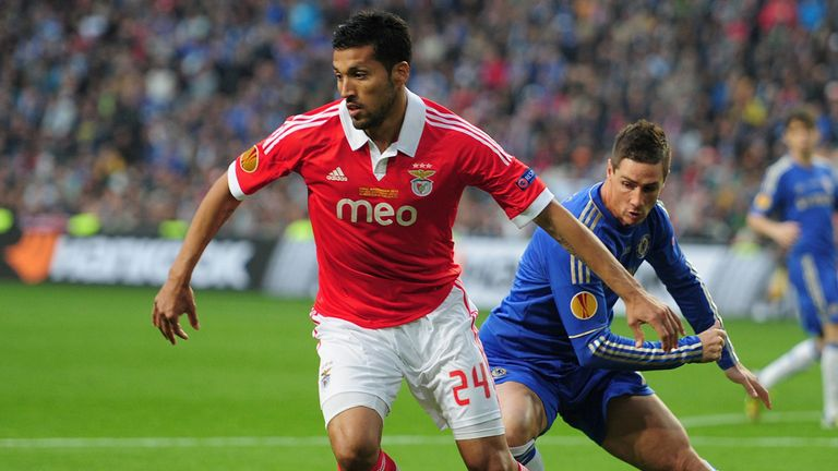 Ezequiel Garay: The defender says he is happy to stay at Benfica despite Manchester United's reported interest