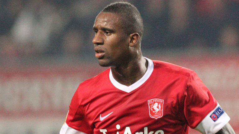 Douglas: FC Twente defender available on a free transfer