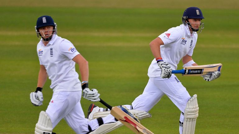 Jonny Bairstow and Joe Root plodded along for the first hour...