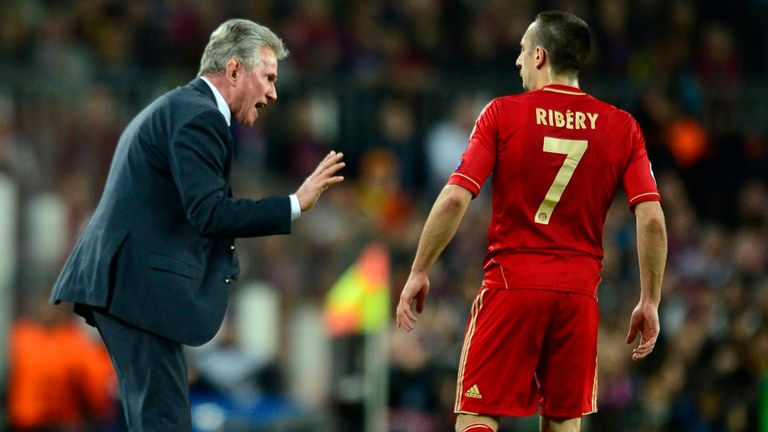 Jupp Heynckes speaks to Franck Ribery during the Camp Nou triumph