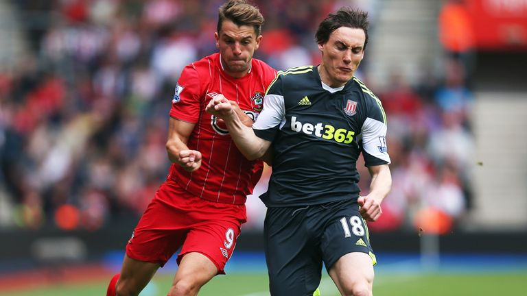 Dean Whitehead: Former Sunderland and Stoke midfielder signing for Middlesbrough