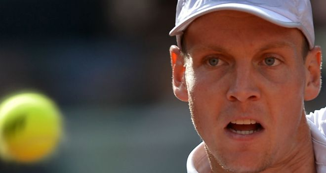 Tomas Berdych: Beat Alexandr Dolgopolov in Wimbledon warm-up event