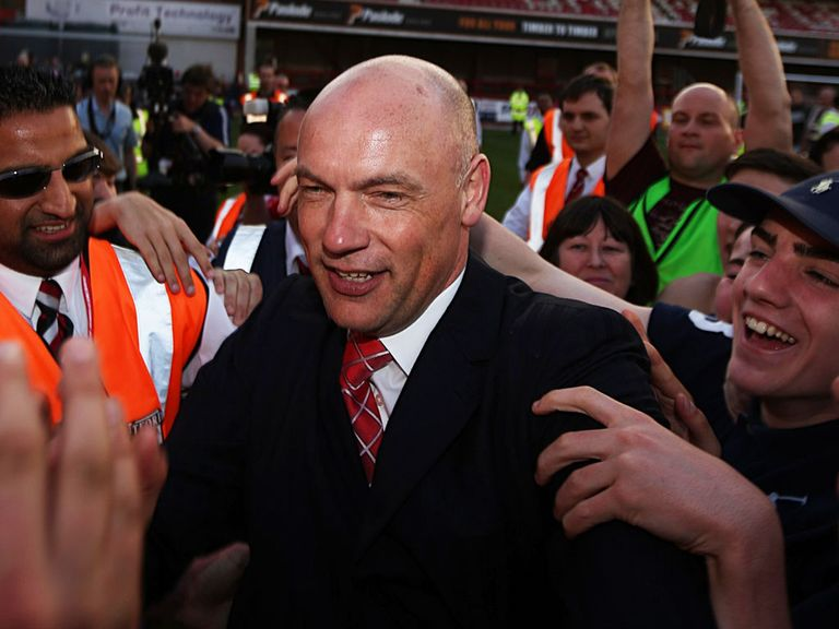 Uwe Rosler: Can guide Brentford to the Championship