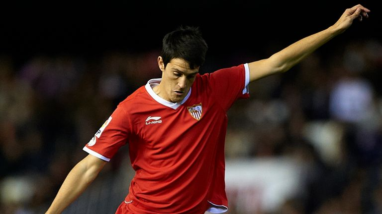 Luis Alberto: Sevilla forward set for medical with Liverpool on Friday