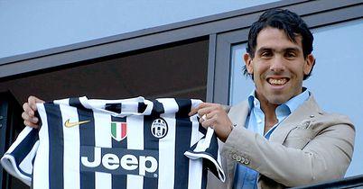 Carlos-Tevez-Juventus-Unveil-Shirt-2_2964424.jpg?20130627162233