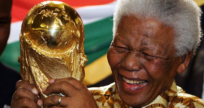 Nelson Mandela: Tributes paid to former South African leader