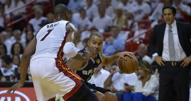 Tony Parker takes on the Miami Heat defence