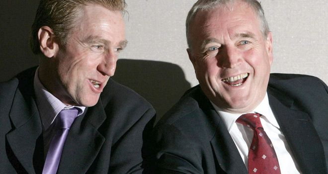 Ireland's cycling legend Sean Kelly (l) with compatriot and UCI president Pat McQuaid