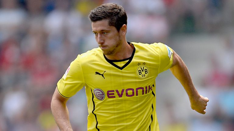 Robert Lewandowski: Rounded off the scoring for Dortmund