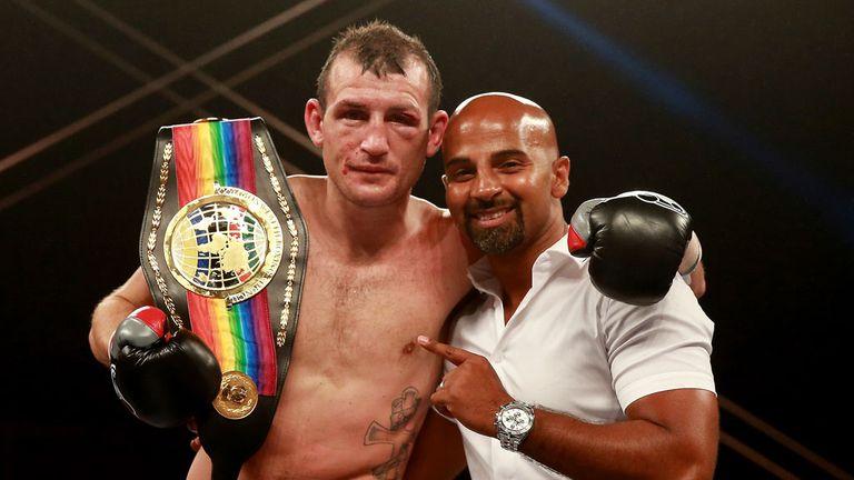 Derry Mathews: Has plenty of big fight experience