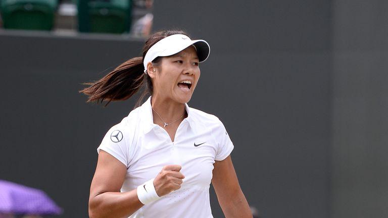 Li Na: Through to the last eight at Wimbledon after thrashing Roberta Vinci