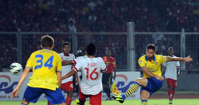 Olivier Giroud: Scores his second goal for Arsenal in Jakarta