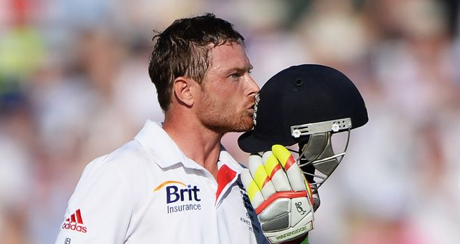 Ian Bell registered his 19th Test century and third in a row against Australia
