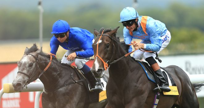 Toormore (right) gets up to score at Goodwood