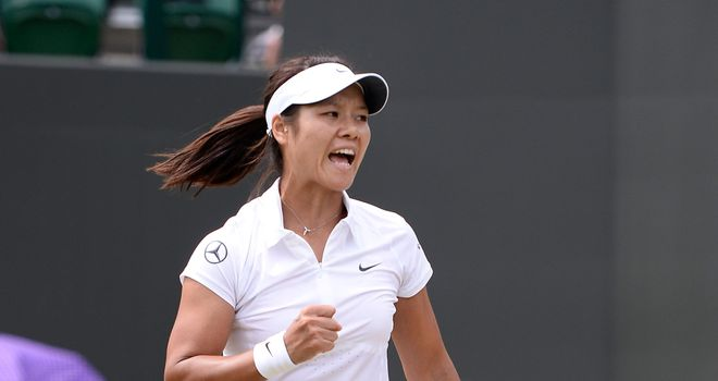 Li Na: Through to the last eight at Wimbledon after thrashing Roberta Vinci