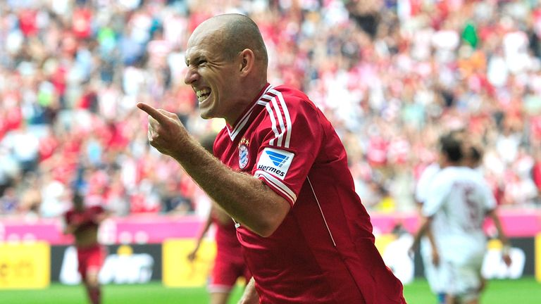 Arjen Robben: Wait for new contract