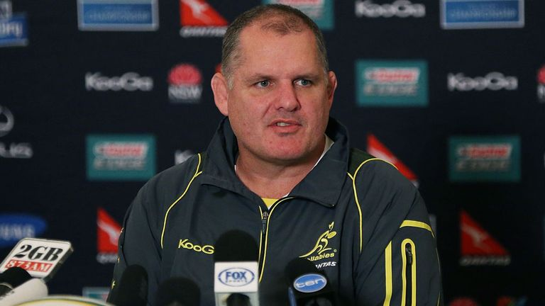 Ewen McKenzie: Australia coach is defended by New Zealander Graham Henry