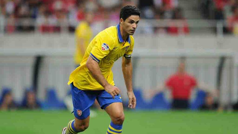Mikel Arteta: The Arsenal midfielder thinks his club will go right to the wire in the current transfer window